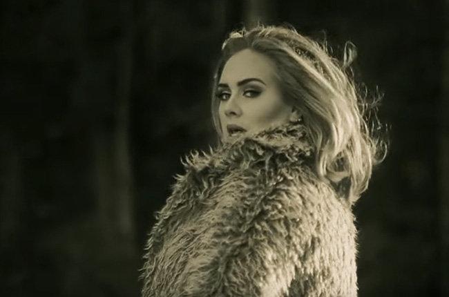 adele-hello-music-video-queen-1